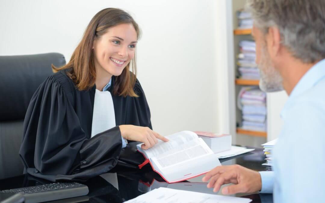 Wie betaalt de advocaatkosten bij een scheiding?